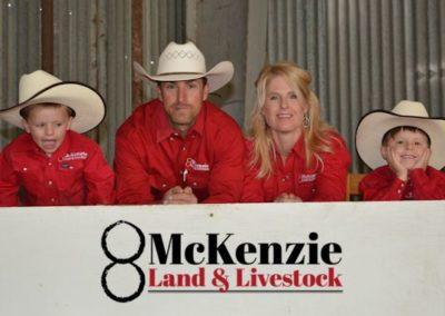 mckenzie-bull-sale-2016_l_family-e
